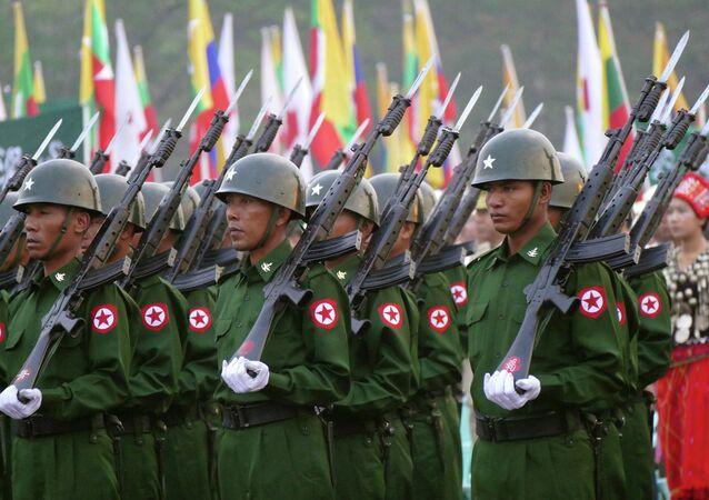 ミャンマー兵士