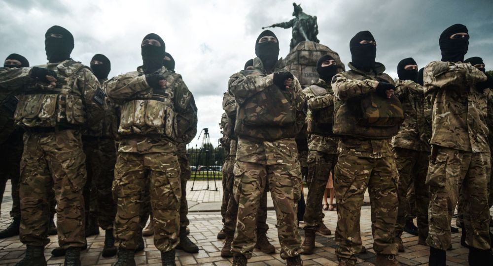 ウクライナ側の武装組織アゾフ大隊の徴兵