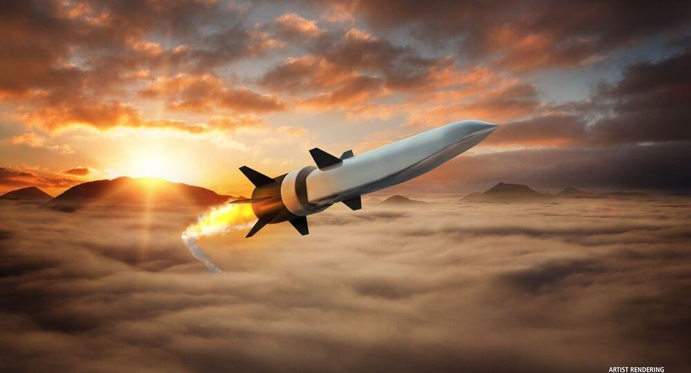 ナショナル・インテレスト誌 露米の極超音速ミサイル発展プログラムを比較