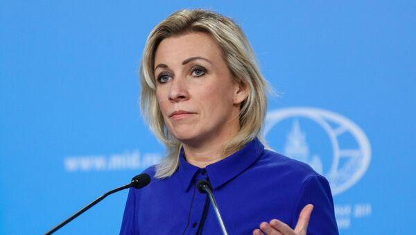 Официальный представитель МИД России Мария Захарова во время брифинга в Москве - Sputnik 日本