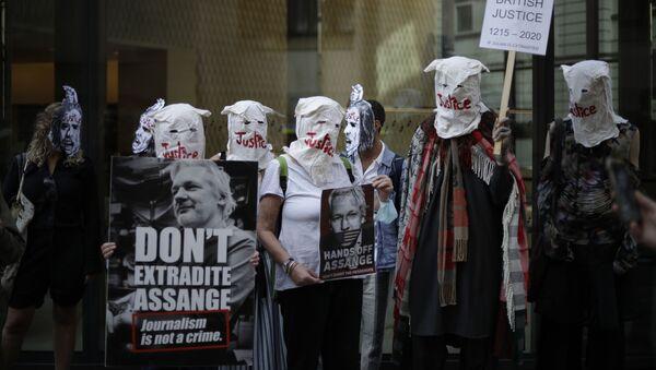 アサンジ氏の米国への身柄引き渡し反対デモ - Sputnik 日本