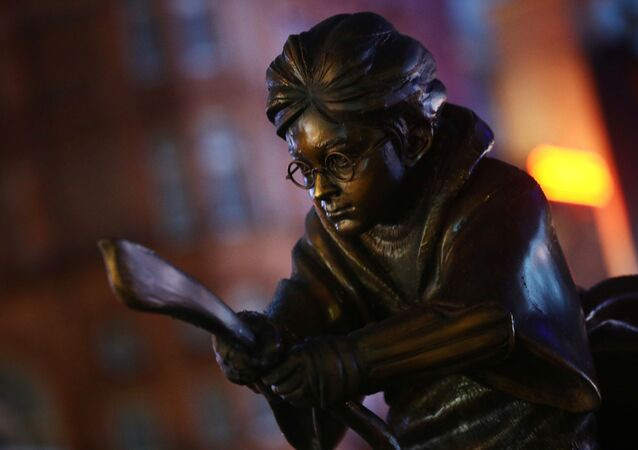 ハリー・ポッターの銅像