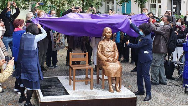 ベルリンの従軍慰安婦「少女像」  - Sputnik 日本
