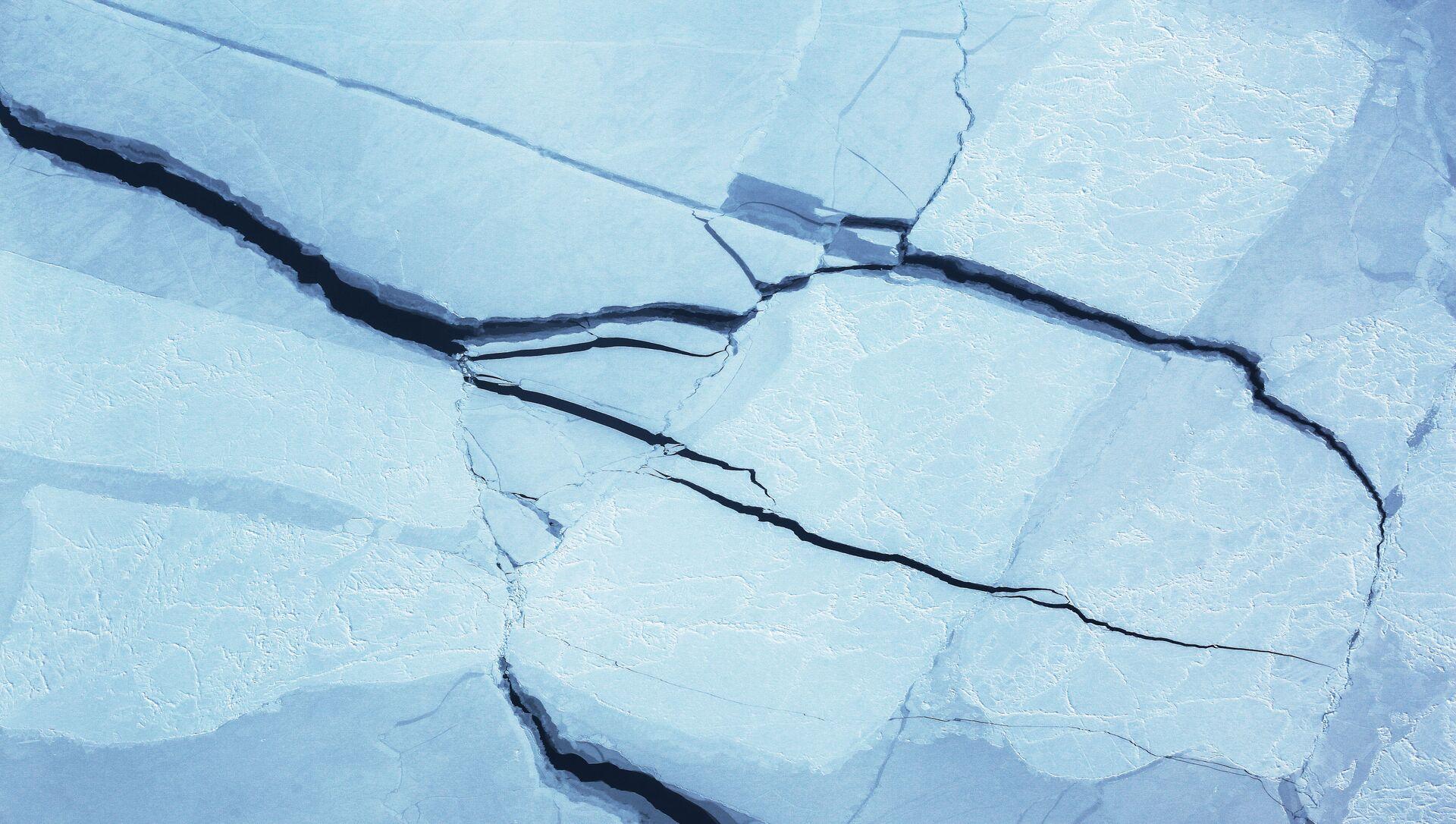 Трещины на льду - Sputnik 日本, 1920, 05.07.2021