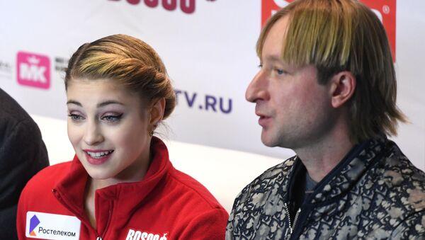 アリョーナ・コストルナヤ選手とコーチのエフゲニー・プルシェンコ氏 - Sputnik 日本