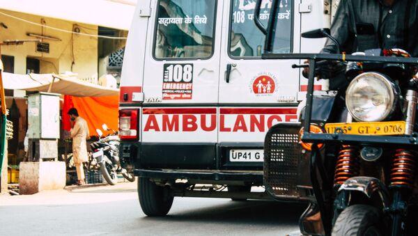 Машина скорой помощи в индийском городе Варанаси - Sputnik 日本