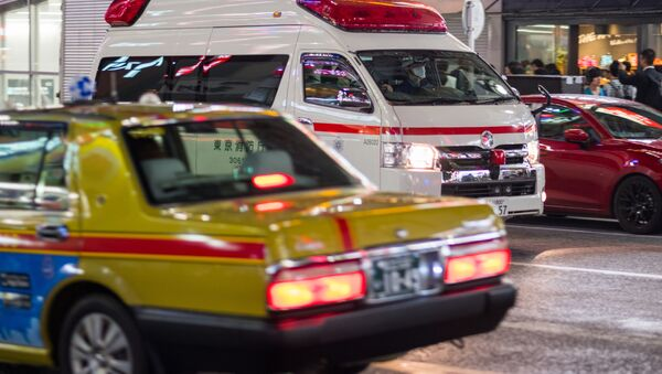 Машина скорой помощи на улице в Токио - Sputnik 日本