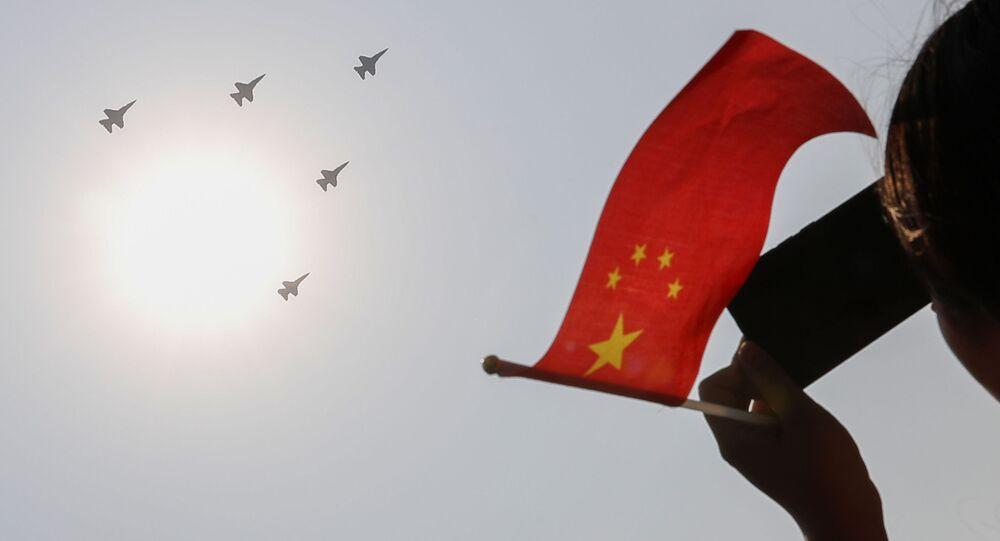 中国の旗(アーカイブ写真)