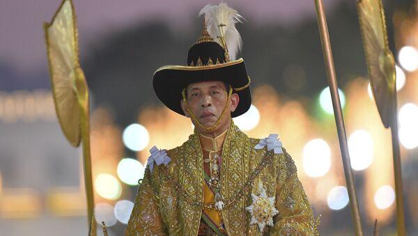 Король Таиланда Маха Вачиралонгкорн во время коронации - Sputnik 日本
