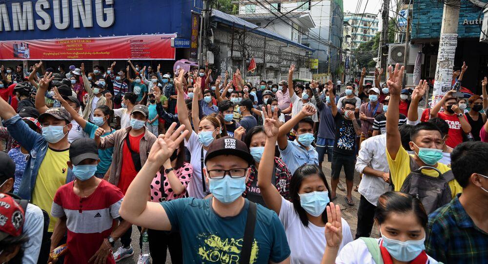 ミャンマー 抗議デモ