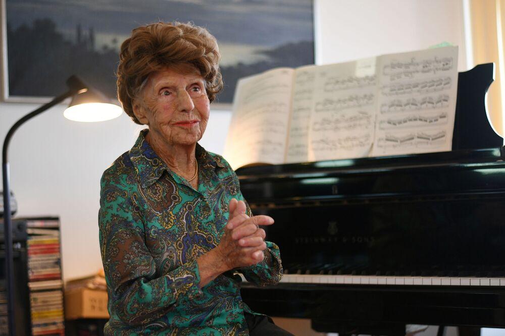 106歳の現役ピアニスト、コレット・マゼさん