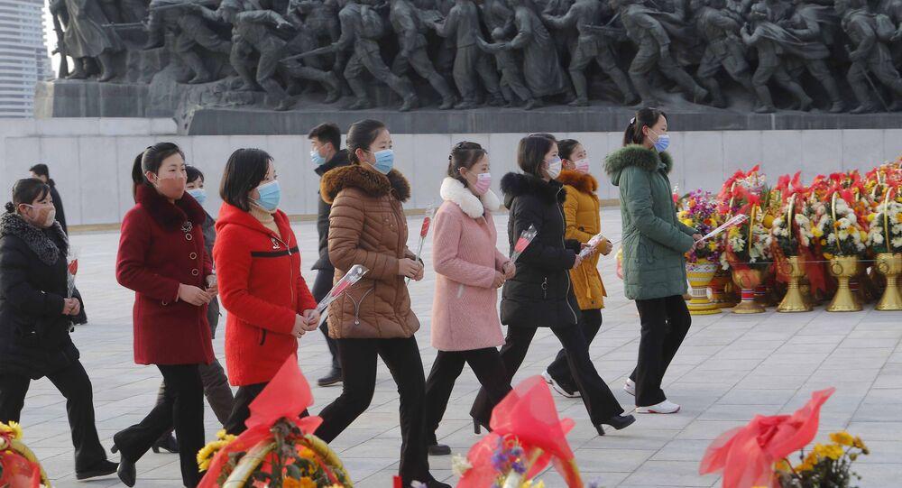北朝鮮、故金正日総書記の誕生日を祝う