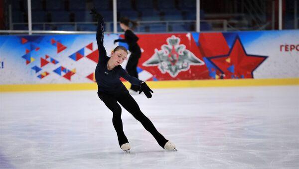 Фигуристка Софья Самоделкина во время тренировки - Sputnik 日本