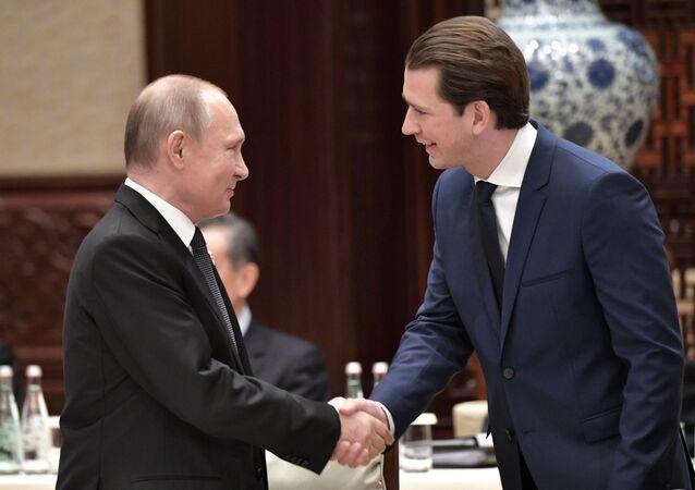プーチン大統領 オーストリア首相とワクチン「スプートニクV」の供給と生産を検討
