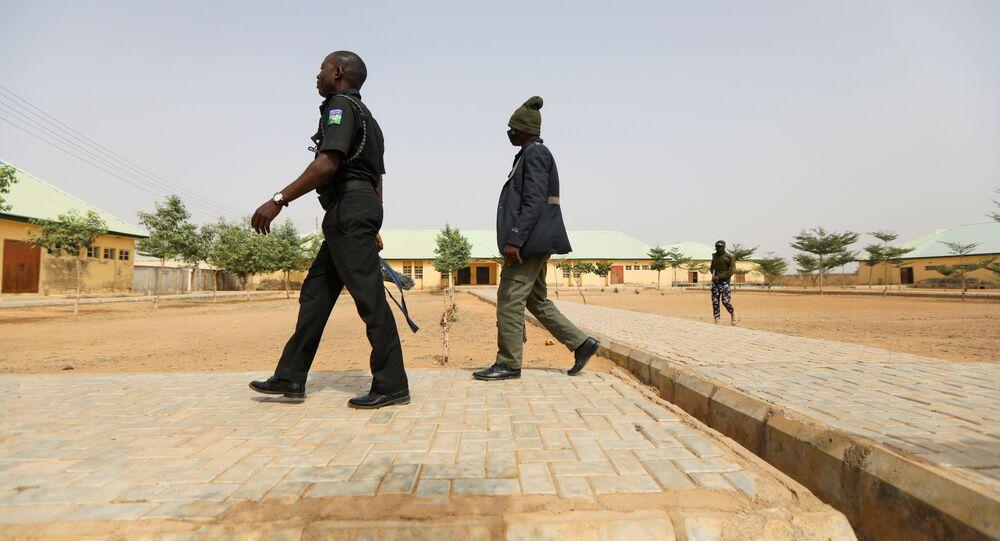 ナイジェリア 警察官