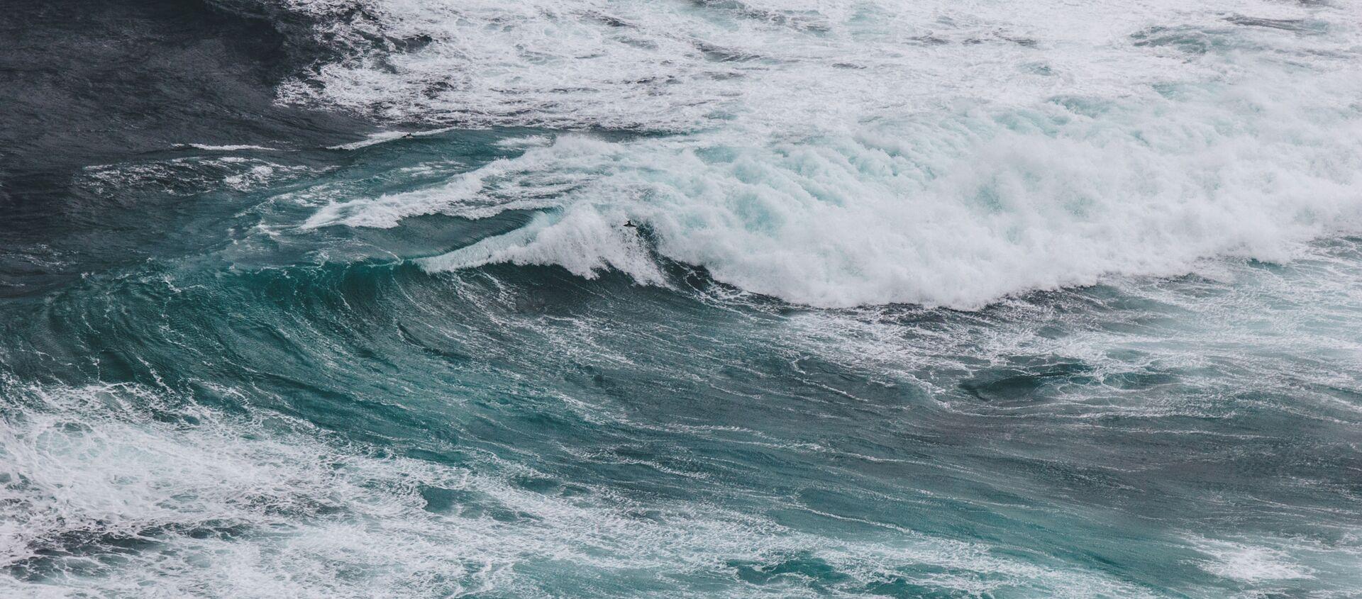 Волны во время шторма - Sputnik 日本, 1920, 10.03.2021