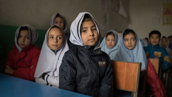 アフガニスタンの女性生徒 - Sputnik 日本