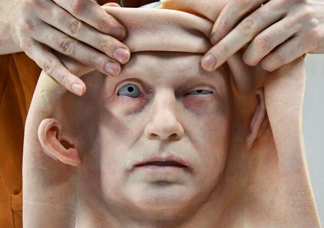 ロモロボット社のウラジオストク支店で製作された人型ロボット用の人口皮膚