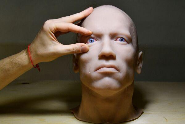 プロモロボット社のウラジオストク支店で製作された人型ロボットの頭部 - Sputnik 日本