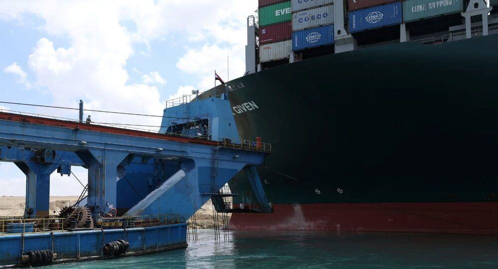 スエズ運河座礁事故 エバー・ギブン号の所有者側、スエズ運河庁と合意