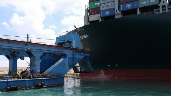 スエズ運河座礁事故 エバー・ギブン号の所有者側、スエズ運河庁と合意 - Sputnik 日本