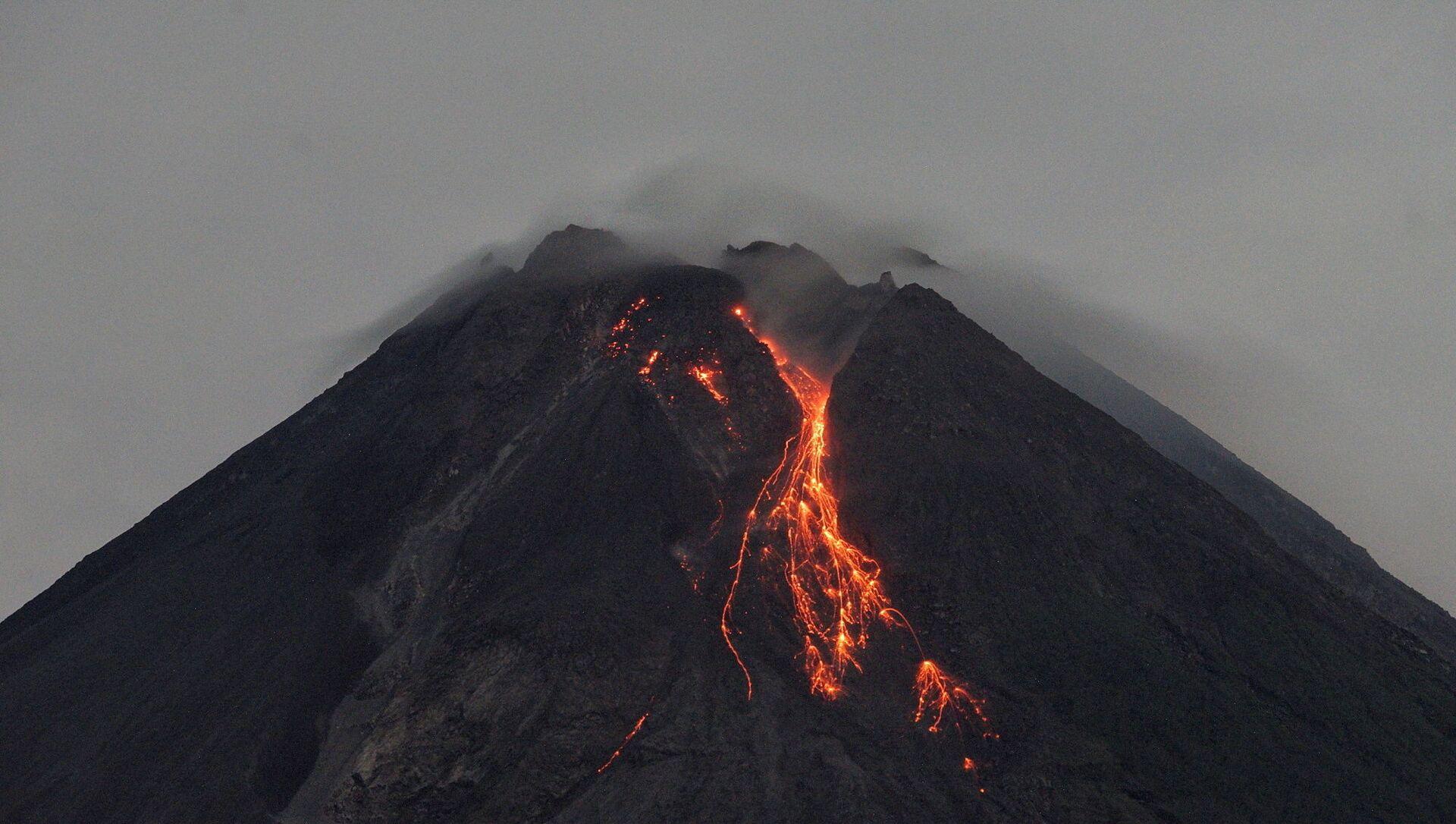 スペイン領ラ・パルマ島で火山が噴火=マスコミ - Sputnik 日本, 1920, 19.09.2021