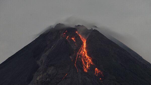 スペイン領ラ・パルマ島で火山が噴火=マスコミ - Sputnik 日本