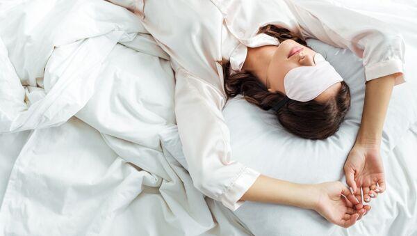 寝ている女性 - Sputnik 日本