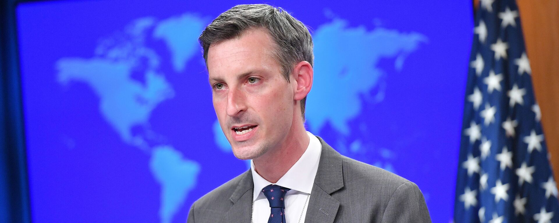 U.S. State Department spokesman Ned Price speaks during the release of the 2020 Country Reports on Human Rights Practices at the State Department in Washington, DC, U.S., March 30, 2021. - Sputnik 日本, 1920, 19.05.2021