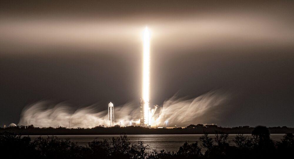 マスク氏のスペースX社 火星打上げ用のロケットエンジンを試験