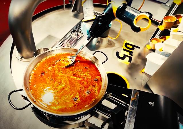 スペインでパエリア調理ロボットが開発