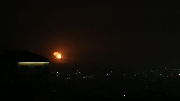 Авиаудар, нанесенный Израилем по югу сектора Газа - Sputnik 日本