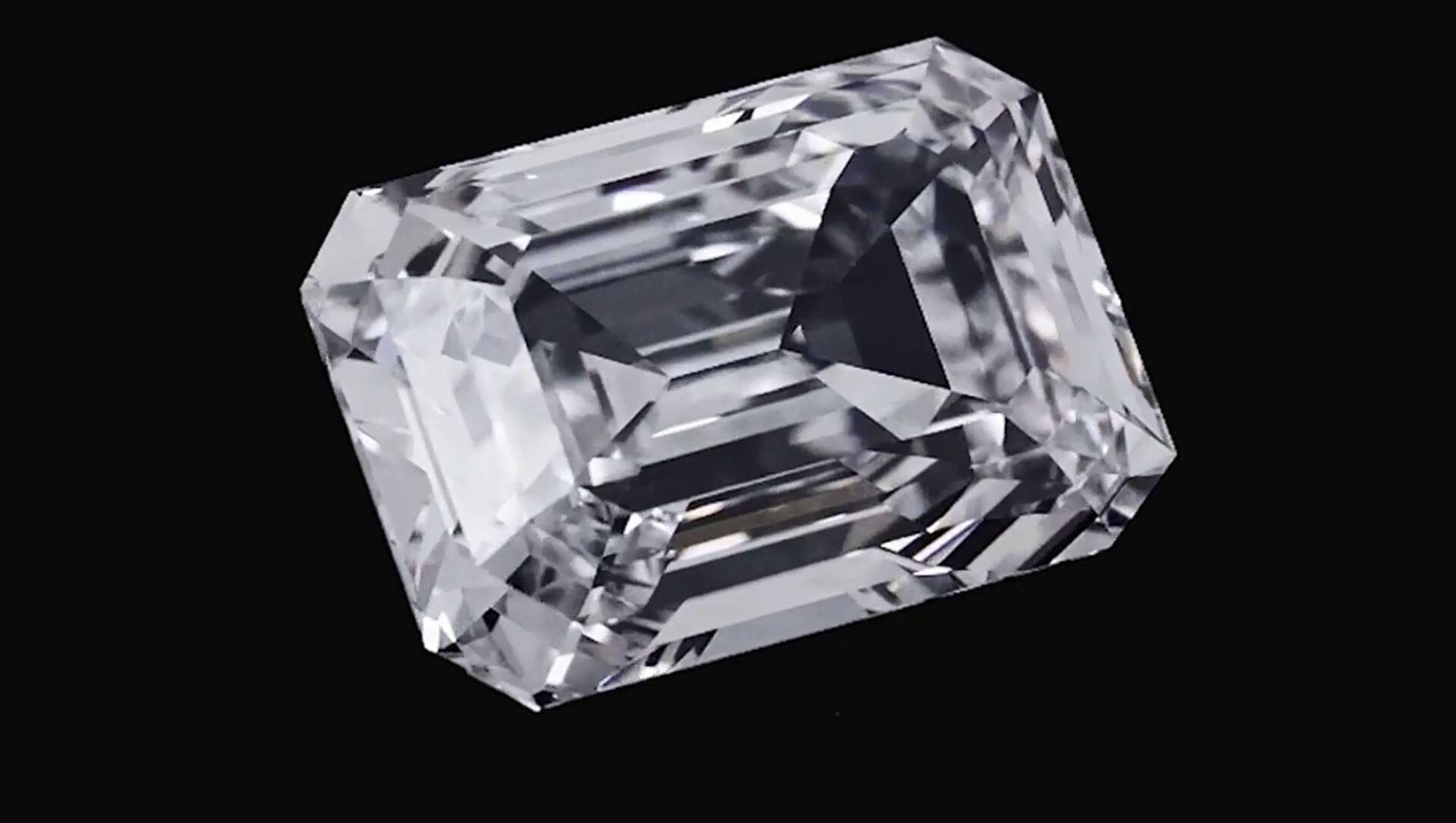 Драгоценный камень весом в 100 карат стал самым дорогим лотом на аукционе Christiie's в Женеве. - Sputnik 日本, 1920, 13.05.2021