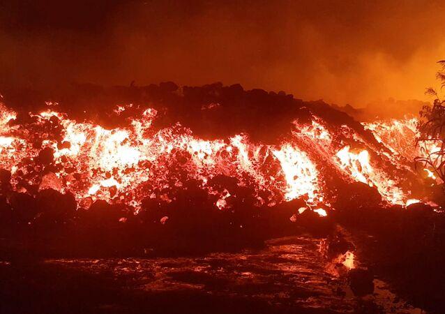 コンゴ 火山噴火