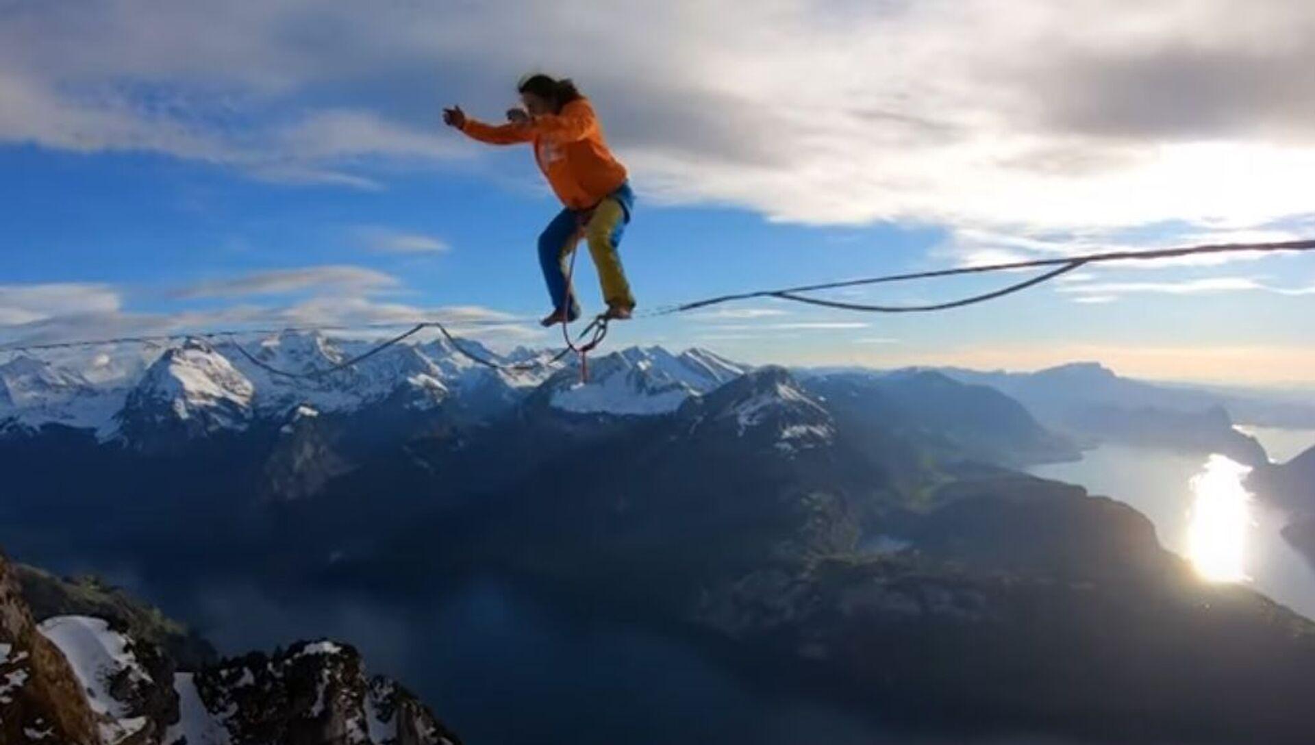 絶景、それとも絶叫? 上空1500メートルでスラックライン - Sputnik 日本, 1920, 26.05.2021