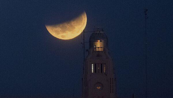ウルグアイ・モンテビデオ港で観測された皆既月食 - Sputnik 日本