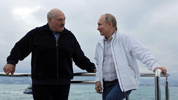 Президент РФ В. Путин и президент Белоруссии А.  Лукашенко совершили морскую прогулку - Sputnik 日本