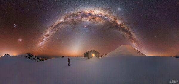 Larryn Rae氏の作品『Mt. Taranaki Milky Way(タラナキ山の天の川)』 ニュージーランドで撮影 - Sputnik 日本