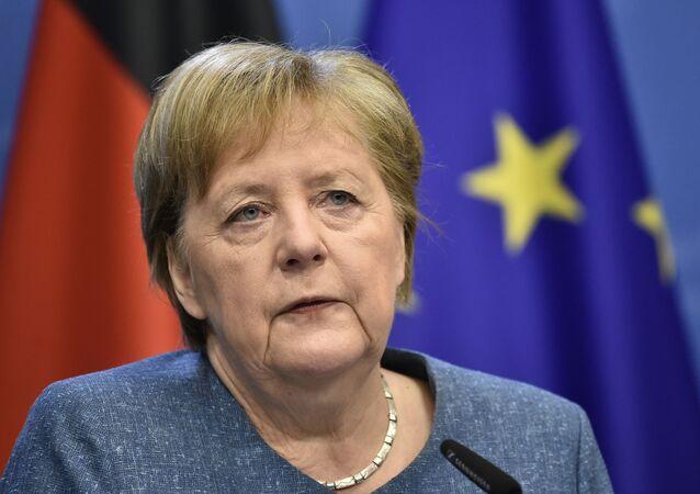 G7、途上国に23億回分のコロナワクチン供給へ=メルケル首相