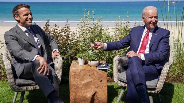 マクロン仏大統領とバイデン米大統領 - Sputnik 日本