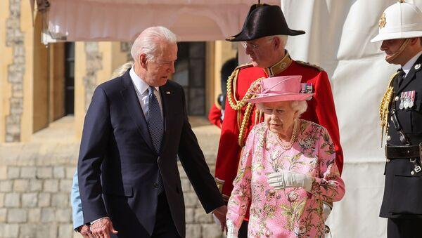 ジョー・バイデン米大統領とエリザベス女王 - Sputnik 日本