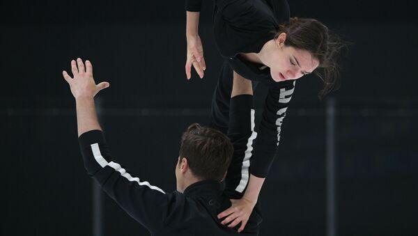 フィギュアスケートのメドベージェワ選手 ペアスケートでの成長に期待 - Sputnik 日本
