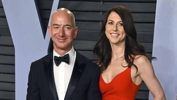 アマゾン創業者ジェフ・ベゾス氏の元妻、マッケンジー・スコットさん - Sputnik 日本
