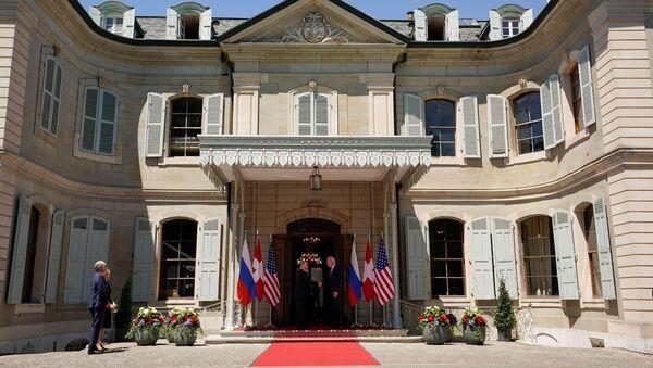 ロシアのウラジーミル・プーチン大統領と米国のジョー・バイデン大統領の露米首脳会談 - Sputnik 日本