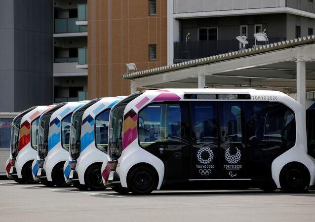 パラリンピック選手村の自動運転バス 日本の柔道選手と接触