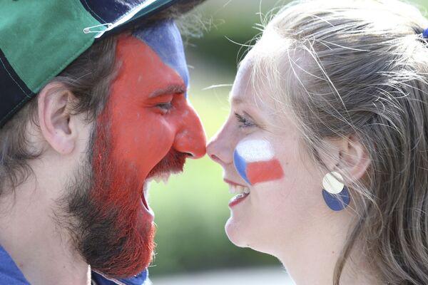 ポーランド・グラスゴーで、グループD第2節、クロアチア対チェコの試合前にポーズをとるチェコのサポーター - Sputnik 日本