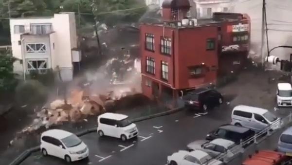 日本 静岡・熱海市の土石流で2人が心肺停止 約20人が安否不明 - Sputnik 日本