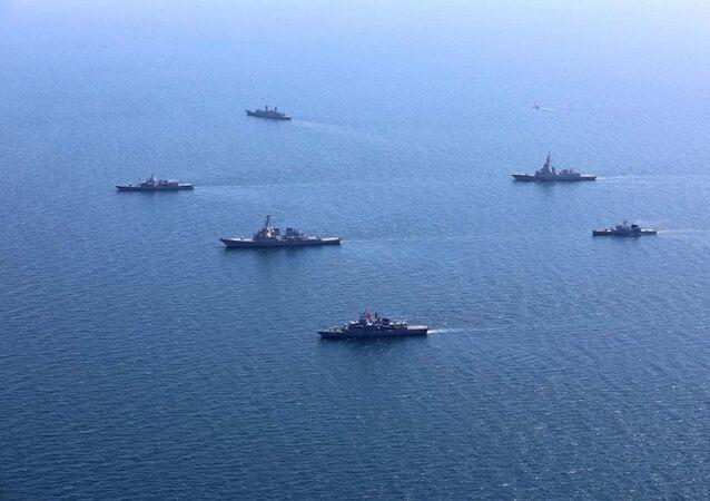 NATOの多国籍軍事演習「シーブリーズ」