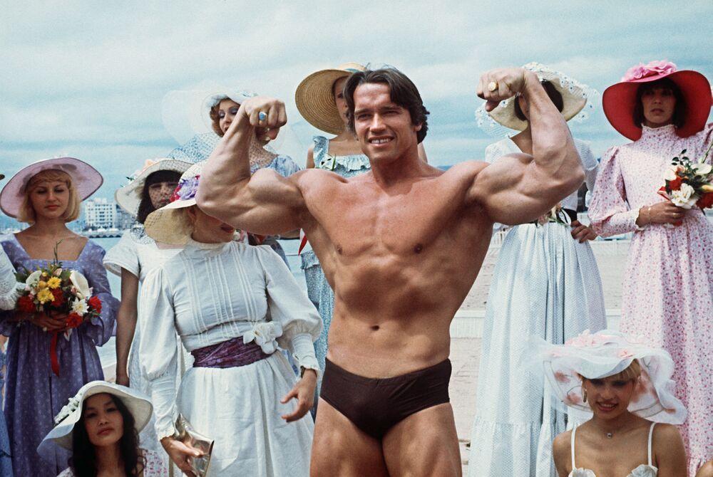 第38回映画祭に出席した米国の俳優アーノルド・シュワルツェネッガー氏(1977年5月19日)