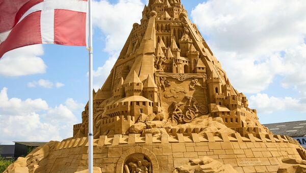 デンマーク・ブロックフスに完成した世界一高い砂の城 - Sputnik 日本